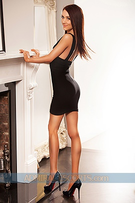 london brunette escorts