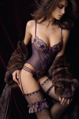 Tori - Bi sexual brunette london escort Tori