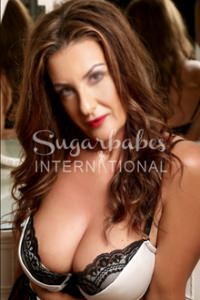 NANCY - Outstanding and Passionate Mature Italian London Escort - Very Open-Minded!