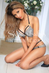 RIA - Absolutely stunning Indian in Bayswater - Petite, Busty Open-Minded!