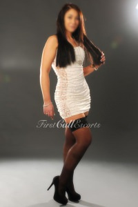 Classy Brunette Escort In London
