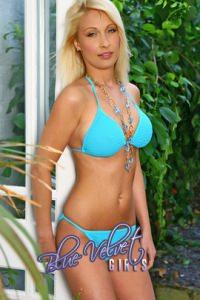 Blue Velvet Girls Anita