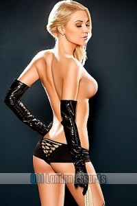 Dating Blonde London Escort