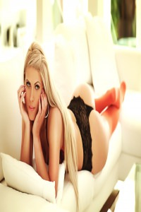 Anais - model looking blone London escort in Chelsea