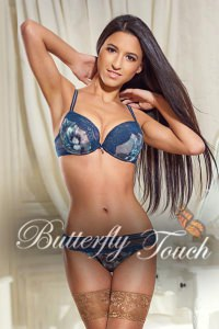Model looking gorgeous brunette escort in Chelsea Monica