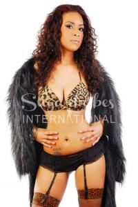 HALLE BOSS - English/Arabic XXX & Glamour Model
