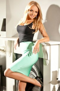 Britney - Blonde London Escort