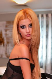 cezy- A stunning Royal Escort