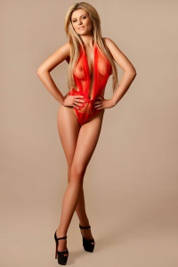 claudia- A stunning Royal Escort