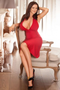 fabi- A stunning Royal Escort