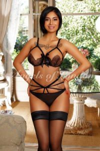 Clementia, curvy London Escort