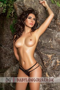 Viveka, Brunette Earls Court Escort
