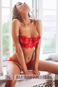 Stella, brunette Earls Court escort