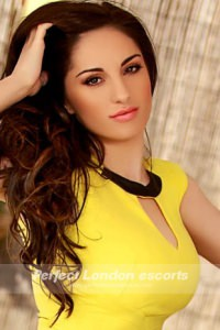 Hot Brunette Babe Andrea
