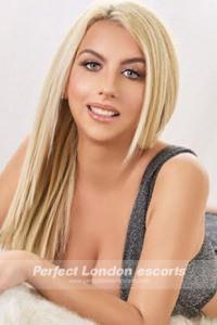 Blonde Babe Kezia