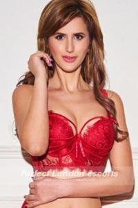 Sexy Babe Amelia