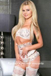 Hot Blonde Astrixa