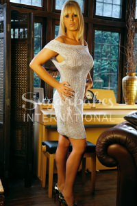 GABRIELLE FOX - MATURE BLONDE & BUSTY ENGLISH XXX STAR