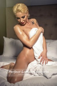 Blonde Elvira