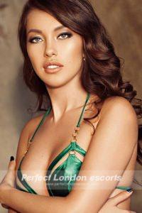 Hot & Sexy Elvina