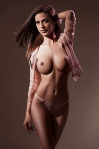 Young London escort Nicole