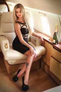 Suzy slim blonde Kensington escort