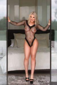 Fabrizia busty escort